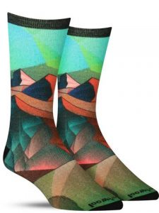 Colorful wool socks for men with an angular, stylized sand dune scene
